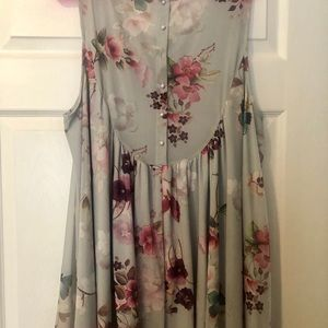 Plus size loose floral tank